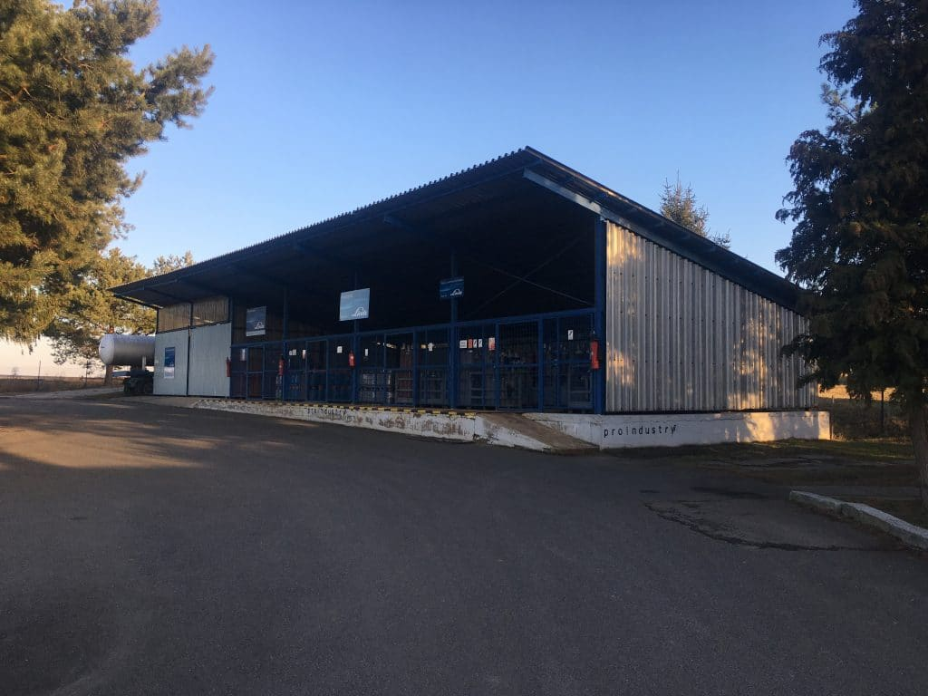 Plnírna plynů Propan a Propan-butan společnosti Proindustry, s.r.o. v Mladá Boleslav. Prodejní místo a plynové centrum.